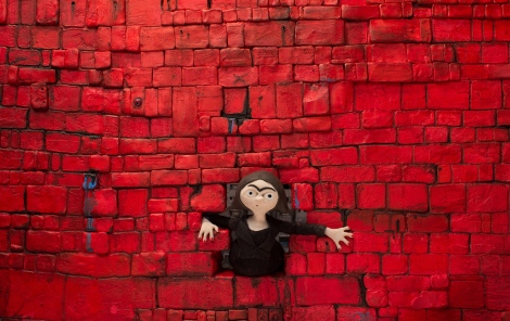 11 Ana Nedelkovic Untravel Evil Girls and Walls